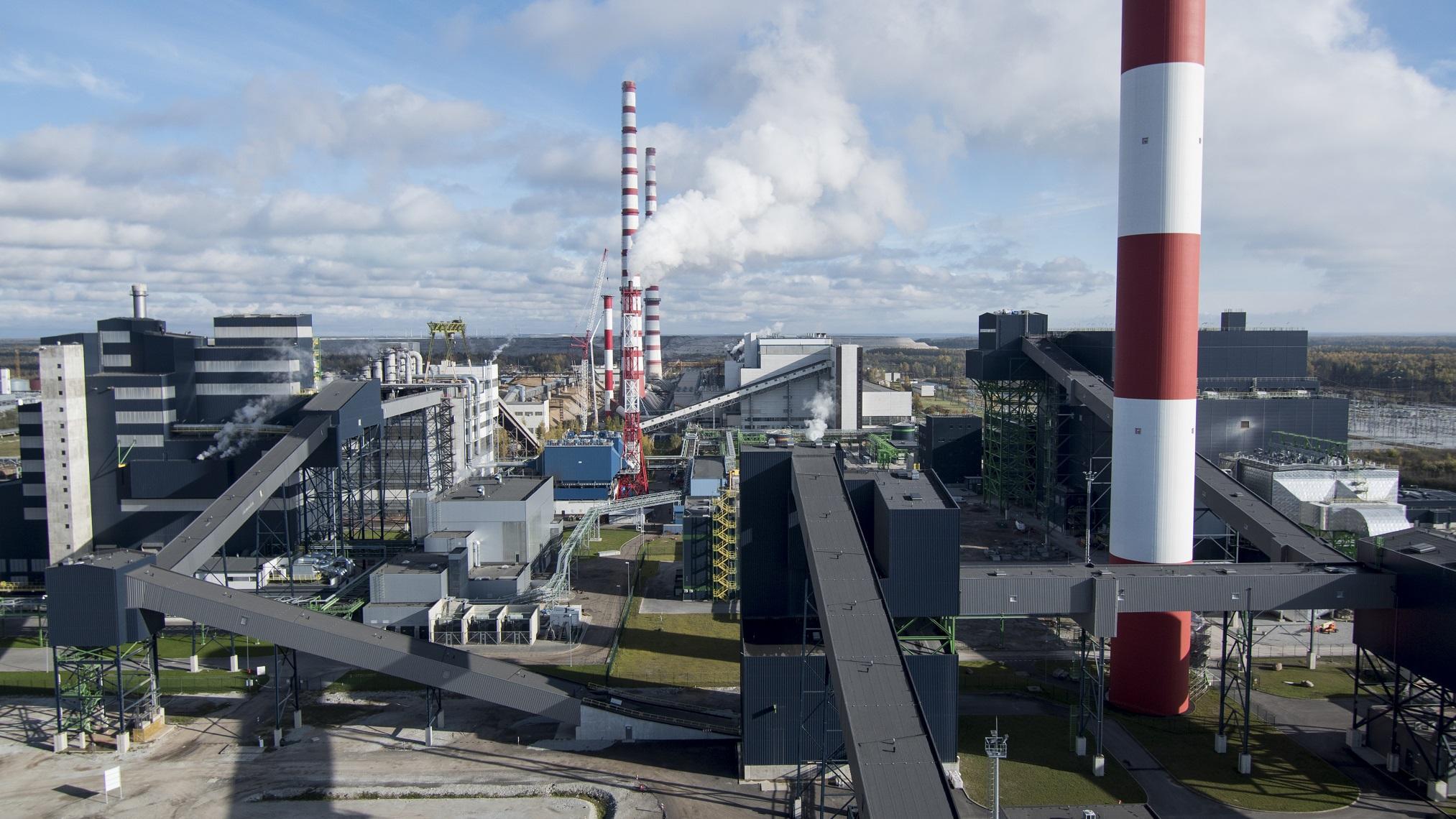 Auvere elektrijaama võimsus on 300 MW ning jaam suudab aastas toota ca 2,2 TWh energiat, sh ligi 1 TWh taastuvenergiat. Elektrijaam suudab katta üle 25% Eesti elektritarbimisest. Foto: Enefit Energiatootmine