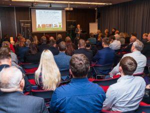 Rahvusvahelisel elektroonikatööstuse seminaril analüüsisid valdkonna eksperdid elektroonikatööstuse arengutrende ning tulevikuväljavaateid. Foto: Peeter Sirge