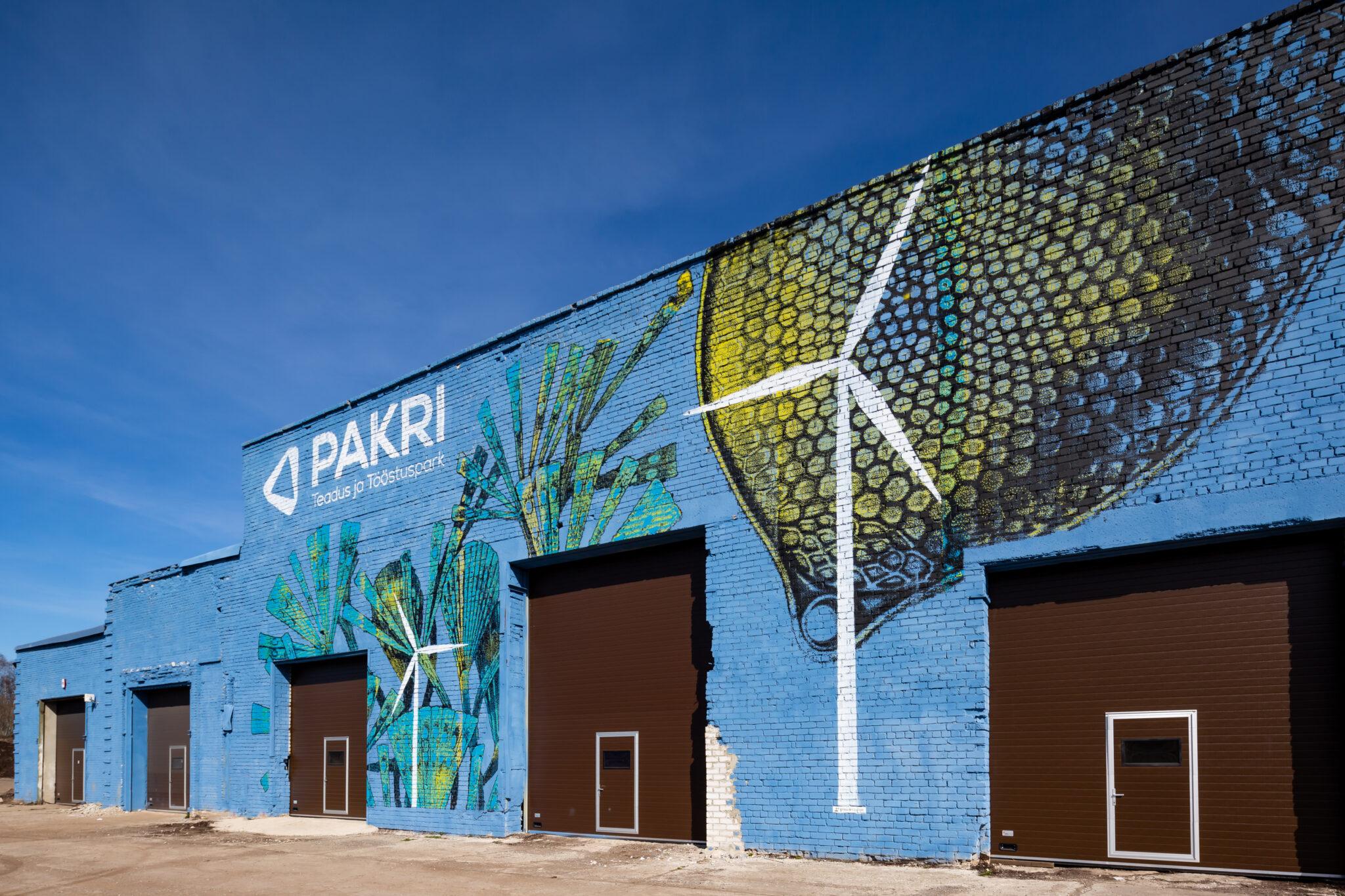 Praegu Pakri teadus- ja tööstuspargis püsti pandud päikesepargi võimsus on 0,95 MW, tulevikus on plaanis päikeseenergia kasutamist suurendada. Foto: Allan Leppikson